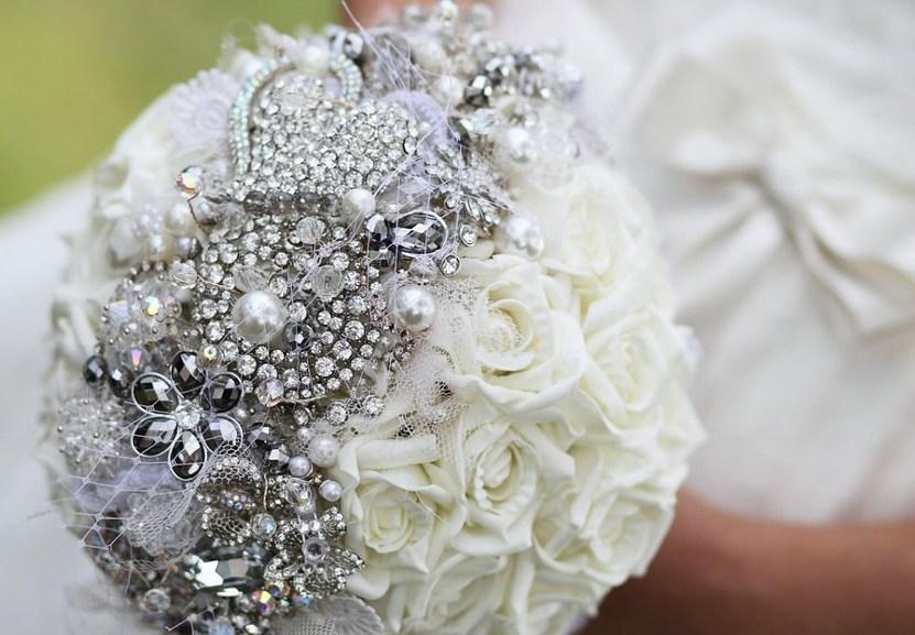 Букет из живых цветов невесты своими руками мастер класс